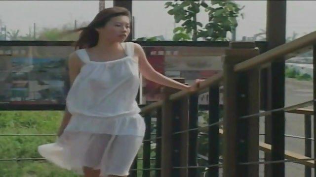 Qian – pretty Taiwanese in white dress